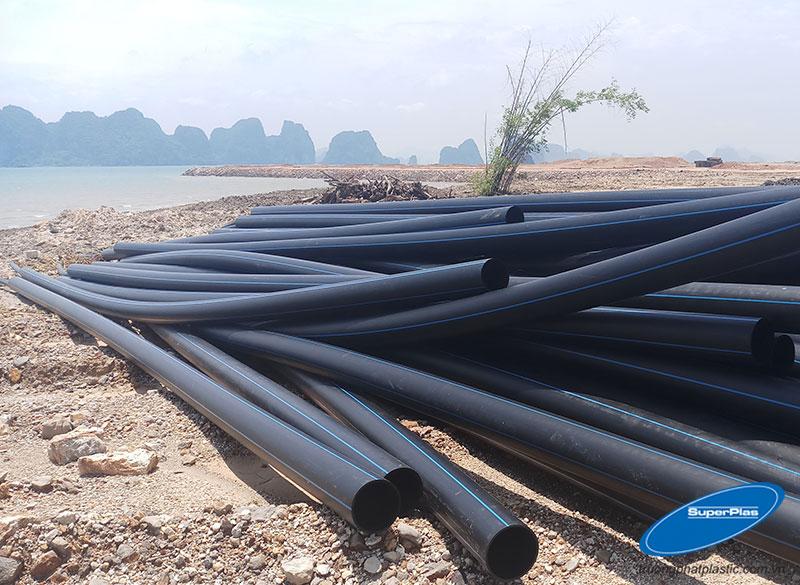 Ống nhựa HDPE SuperPlas được phân phối tới Quảng Ninh để làm lồng bè nuôi trồng hải sản.
